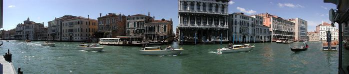 1077px-Canal_Grande_Panorama2